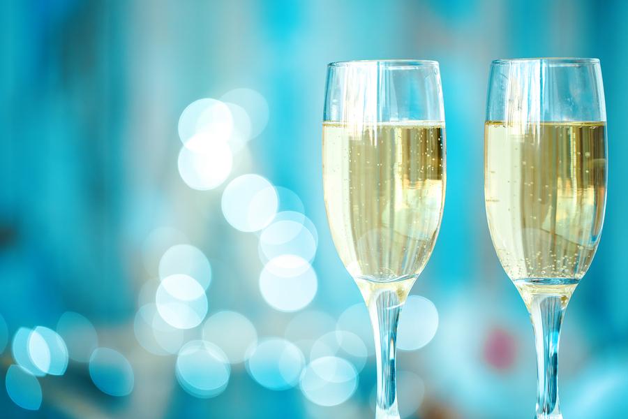 1年経つたびに、クナーベで乾杯して!