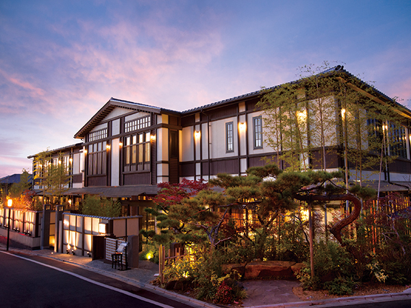 京都東山のプライベート空間で四季折々の味覚を楽しむレストラン