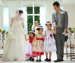 家族5人で結婚式