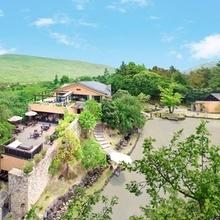 若草山と奈良公園の大自然や世界遺産に囲まれた結婚式が叶う★