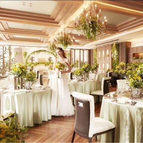 壁面緑化が施され、インナーガーデンが設置された人気会場。ナチュラルテイスト好きのあなたにぴったり☆