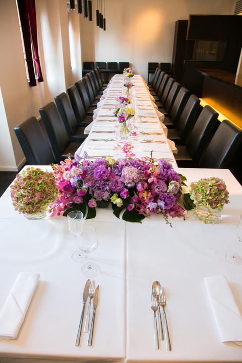 お人数により晩餐会のようなスタイルでアットホームに御食事をどうぞ