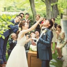 カジュアルなウェディング・海外のパーティーの雰囲気も作れる