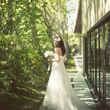 緑に囲まれたガーデンや京都のロケーションを楽しむことができる