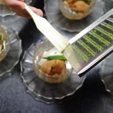 卵豆腐 蒸しアワビ、ウニ、ミニオクラの冷製