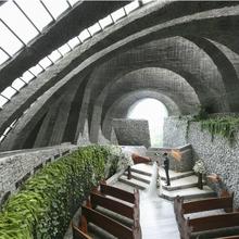 唯一無二の教会建築。深く心に刻まれる挙式を