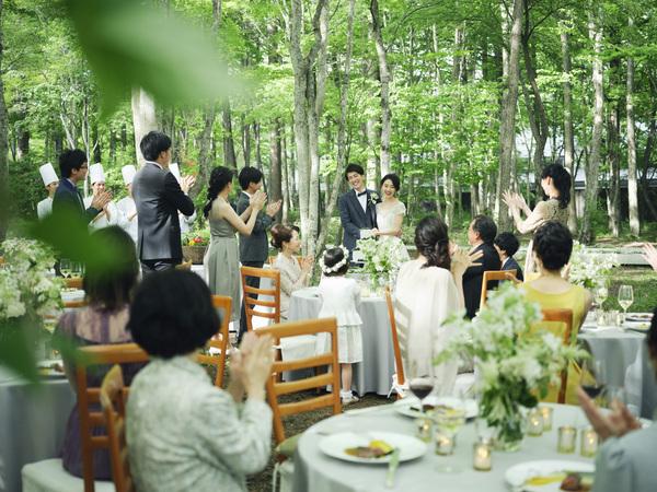 「星野リゾート 軽井沢ホテルブレストンコート」で結婚式