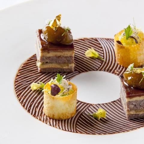 世界から認められたホテルブレストンコートの美食で、大切な人たちと至福のひとときを