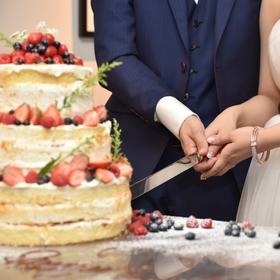 ガーブカステッロ ネイキッドケーキ ウェディングケーキ