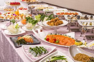 ホテルシェフがつくる料理は二次会でも本格的と評判です!
