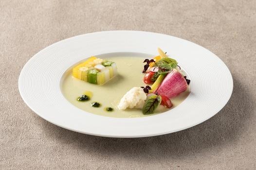 オードブルは軽やかな野菜メインの一皿