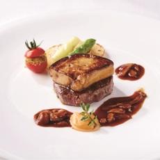国産牛フィレ肉のポワレ フォアグラ添え セップ茸のソース