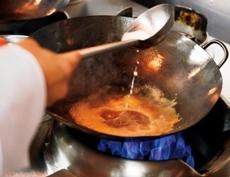 熱い料理は熱いうちに召し上がっていただきたい