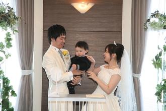 家族みんなで祝う、お子様と一緒のお披露目結婚式もOK♪