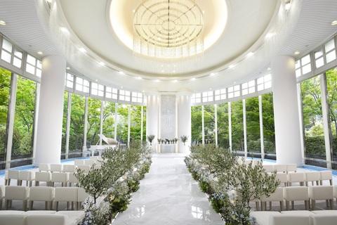 【チャペル リュヴェール】自然美が祝福する空間で、ゲストとともに、やすらぎを感じるセレモニーを。